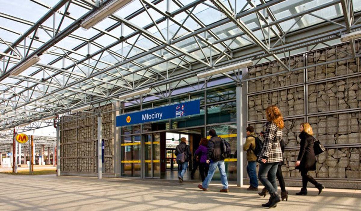 Ulepszenia komunikacyjne w dzielnicy Bielany w rejonie stacji Metro Młociny. Z jakich rozwiązań komunikacyjnych mogą korzystać mieszkańcy osiedla METROBIELANY?