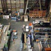 Kupowanie w składzie materiałów budowlanych